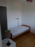 Location Chambre Chambre dans un T4 à Grenoble, quartier Abbaye  à Grenoble