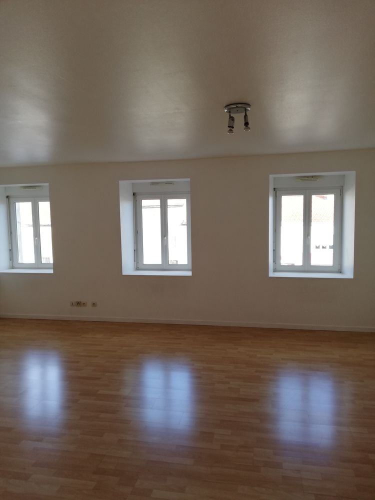 Location Appartement grand appartement F3  à Baronville