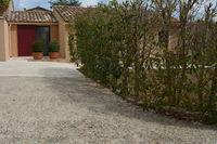 Location Maison maison meublée avec jardin région Uzès (30700)  à Saint-quentin-la-poterie