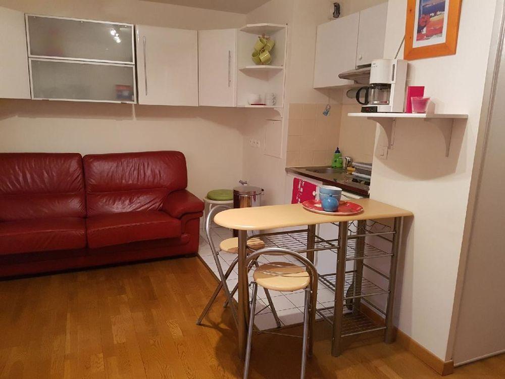 Location Appartement studio de 26m2 meublé à Saint Cyr l'Ecole  à Saint-cyr-l'École