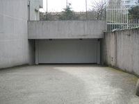 Location Parking/Garage Garage Lyon 8e Bachut-Cazeneuve Lyon 8