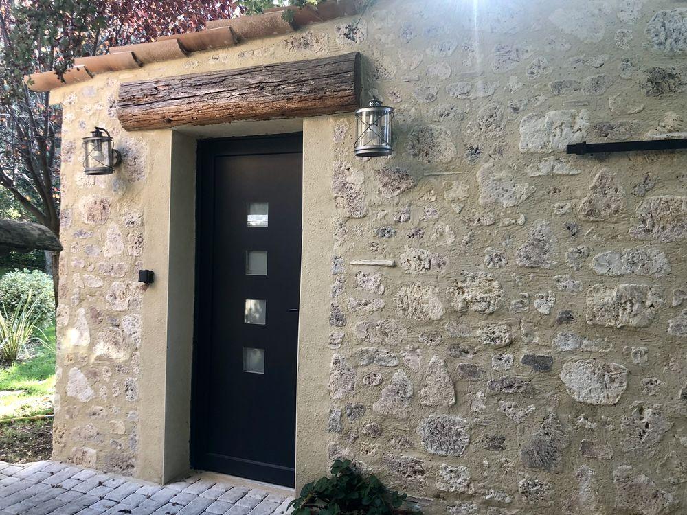 Location Chambre chambre meublée indépendante dans villa 40€ La nuit  à Bollène