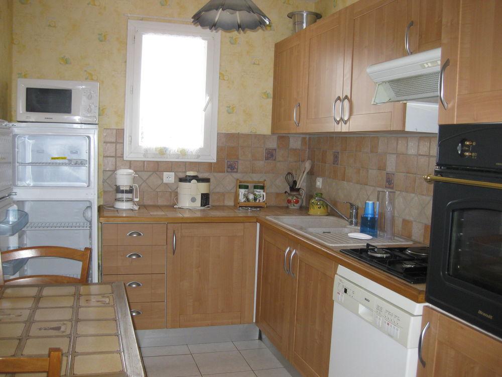 Location Appartement A saisir !  VILLETELLE location à l'année gîte meublé  à Lunel