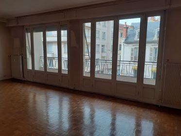 Location Appartement T5 Lumineux bien situé dans le centre ville de Vichy  à Vichy
