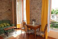 studette meublée tout confort 350 Puget-Ville (83390)