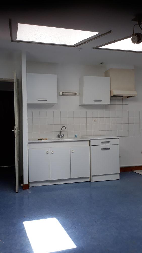 Location Appartement St-Claude - F2  - 45 M2 - refait à neuf - clair  à Saint-claude
