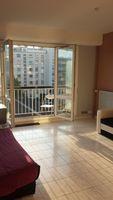 studio avec balcon très bien localisé et calme