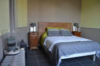 Chambre Salle d'eau / Séjour cuisine jardin à disposition  625 La Rochelle (17000)