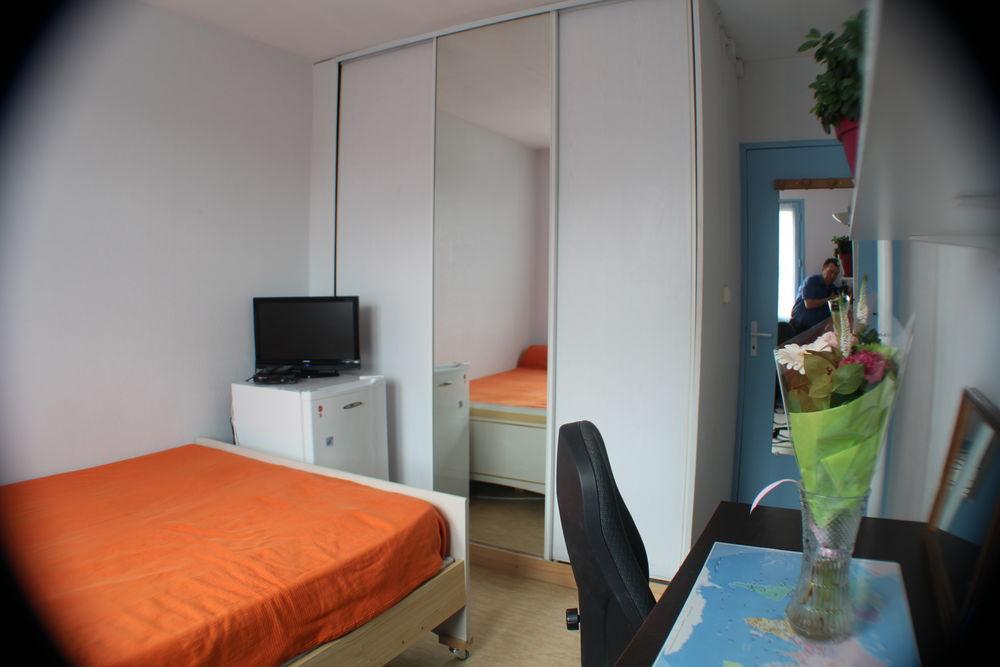 Location Chambre Chambre meublée (contrat individuel) dans . à trois. Toulouse