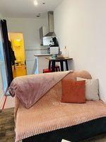 Location Appartement STUDIO HYPER CENTRE REIMS dans petite copro au RC sur cour Reims