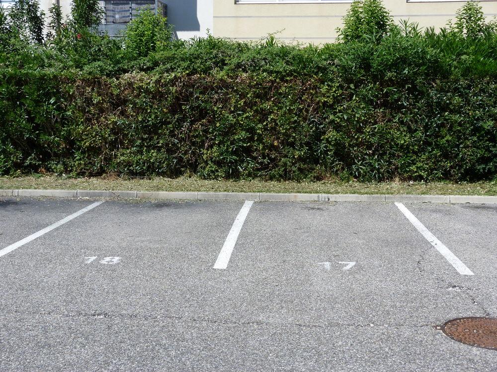 Location Parking/Garage parking dans residence close avec gardien Avignon