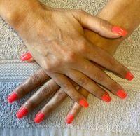 Ongles : pose de vernis semi-permanent = 19€