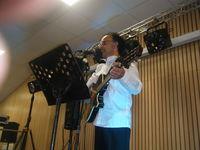 animateur guitariste chanteur 0