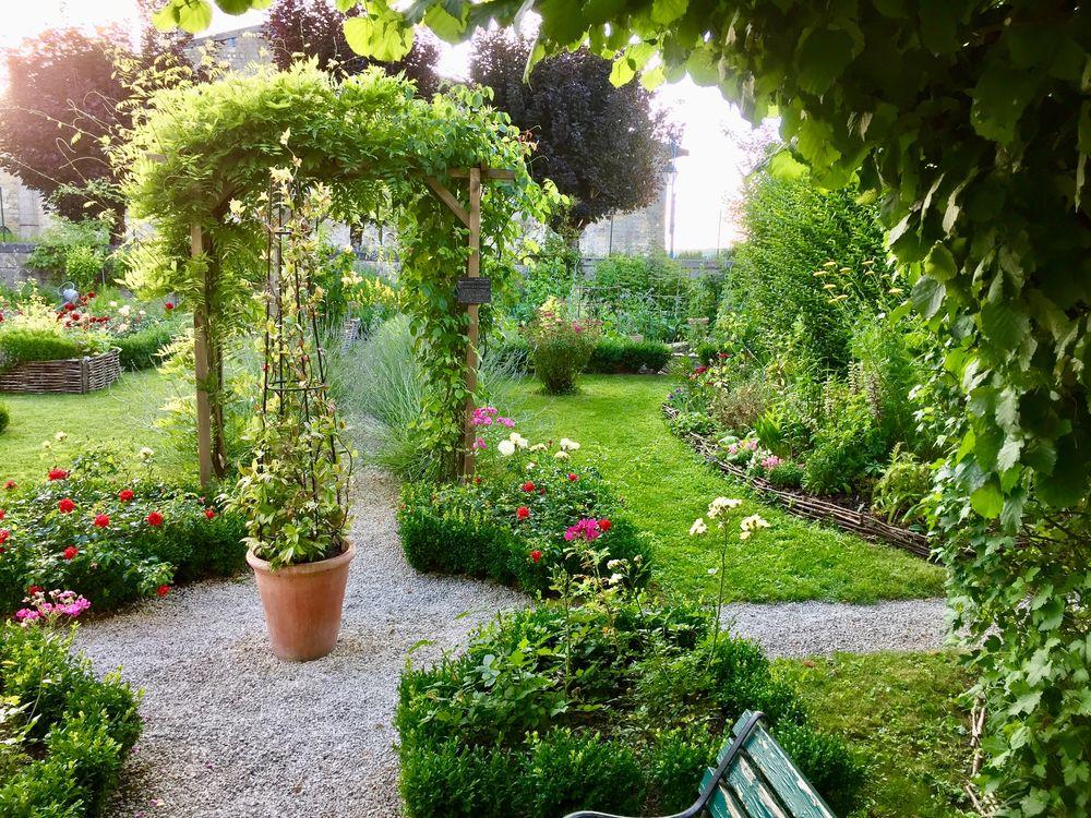 Jardinier expérimenté dans les espaces verts