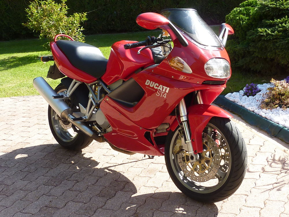 DUCATI 2021 occasion 77760 Buthiers