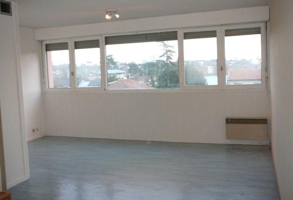 location Appartement - 1 pièce(s) - 37 m² Pessac (33600)