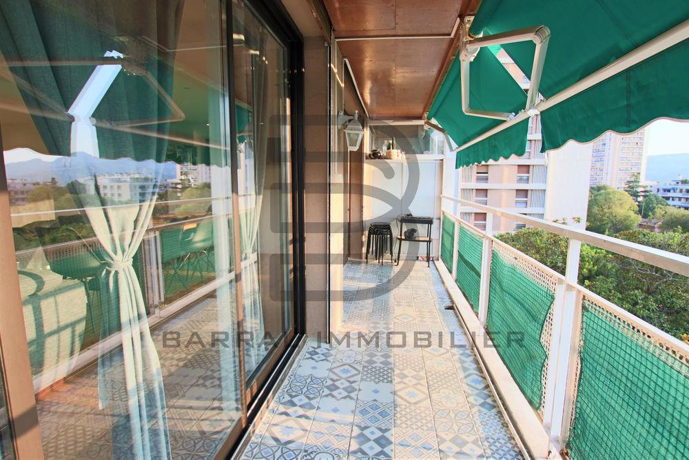 Vente Appartement Vente magnifique appartement en dernier étage de type 3/4 de 100 m2 avec terrasse et de parking Quartier Cabot Marseille 9