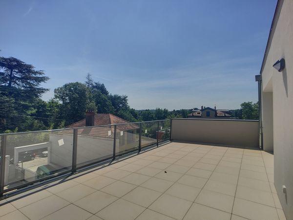 location Appartement - 2 pièce(s) - 50 m² Écully (69130)