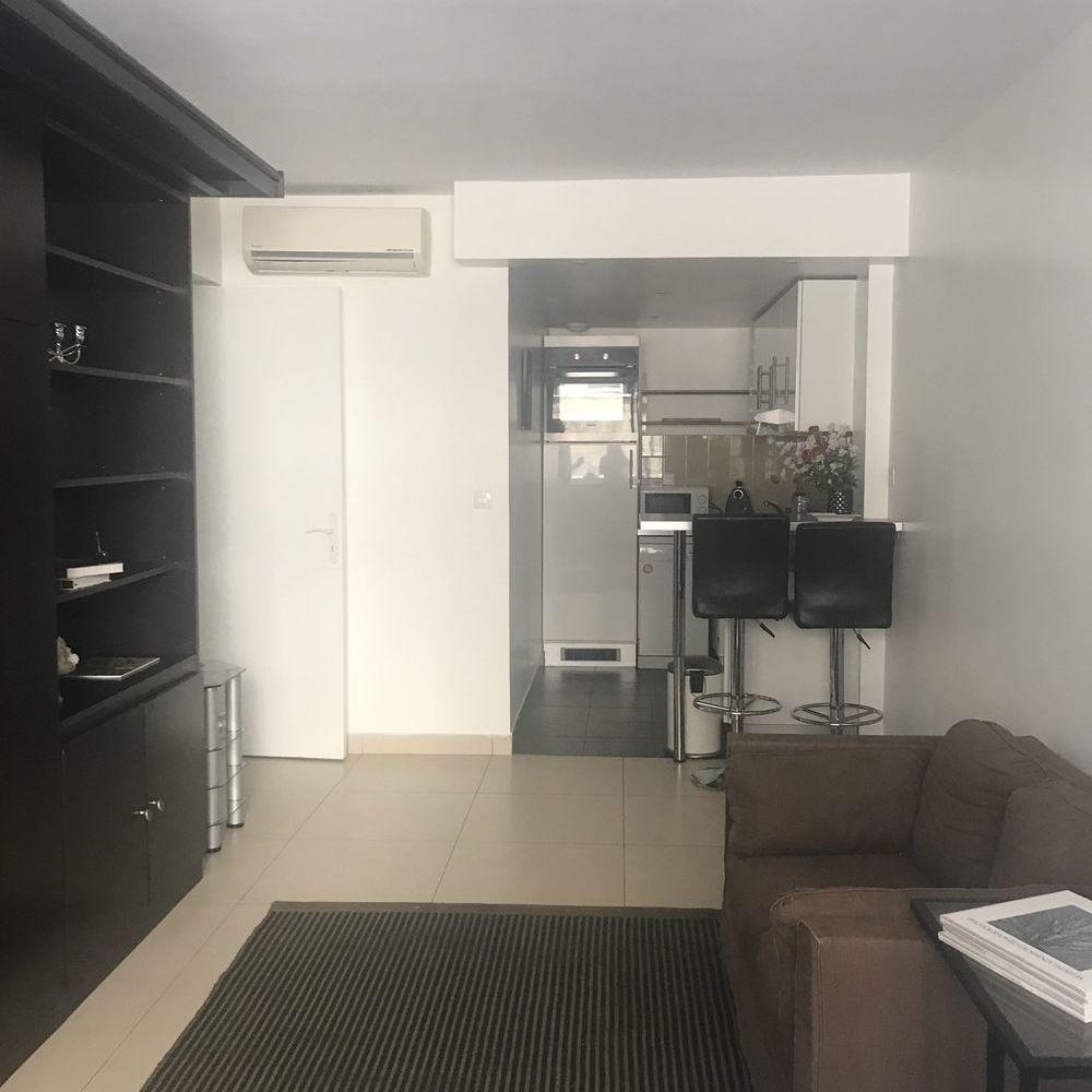 Location Appartement Proche Montaigne - Parfait pied à terre de 36m² meublé. Calme, p Paris 8