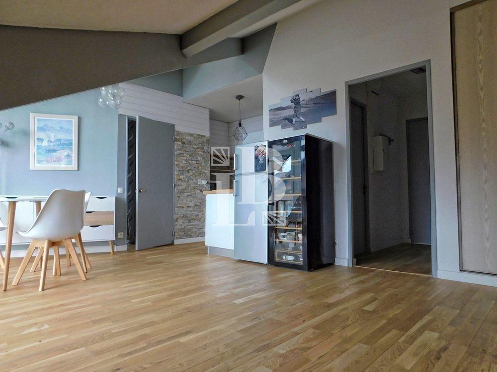 Vente Appartement T2 VUE LAC entièrement rénové  à Évian-les-bains