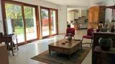 Belle maison contemporaine  de + 200m2 , sans travaux, sur un très grand terrain et proche des transports. 567000 Montgermont (35760)