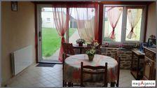 Centre bourg, petit terrain d'environ 700 m² avec 3 garages, tranquillité. 99980 Maure-de-Bretagne (35330)