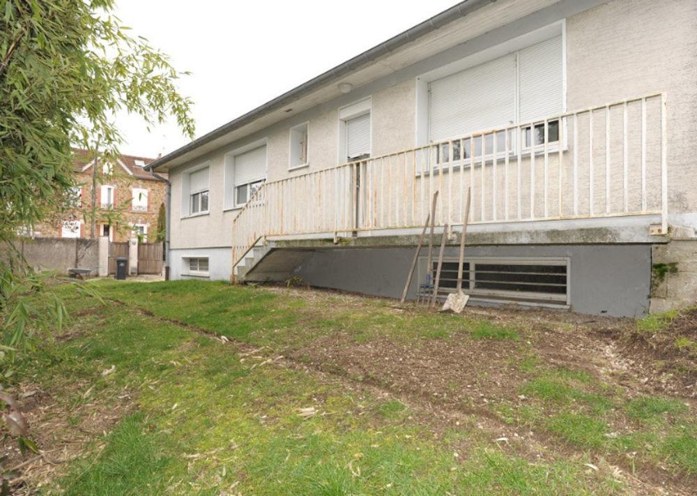 Vente Maison Grands espaces prêts pour votre installation  à Romilly-sur-seine