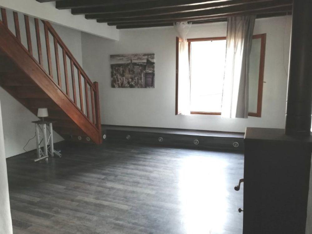 Vente Maison Maison de 3 pièces à Fosses dans un secteur calme  à Fosses
