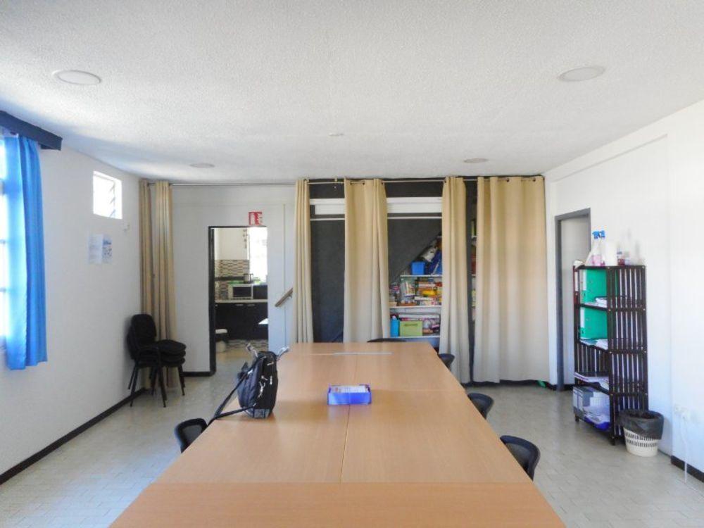 Maison - 11 pièce(s) - 150 m² 465000 Saint-Paul (97460)