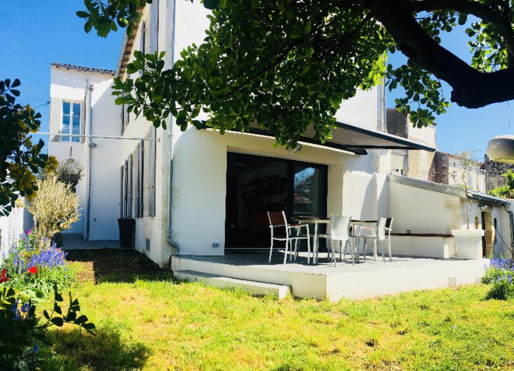 Vente Maison Centre-ville de Saint Jean d'Angély  à Saint-jean-d'angely
