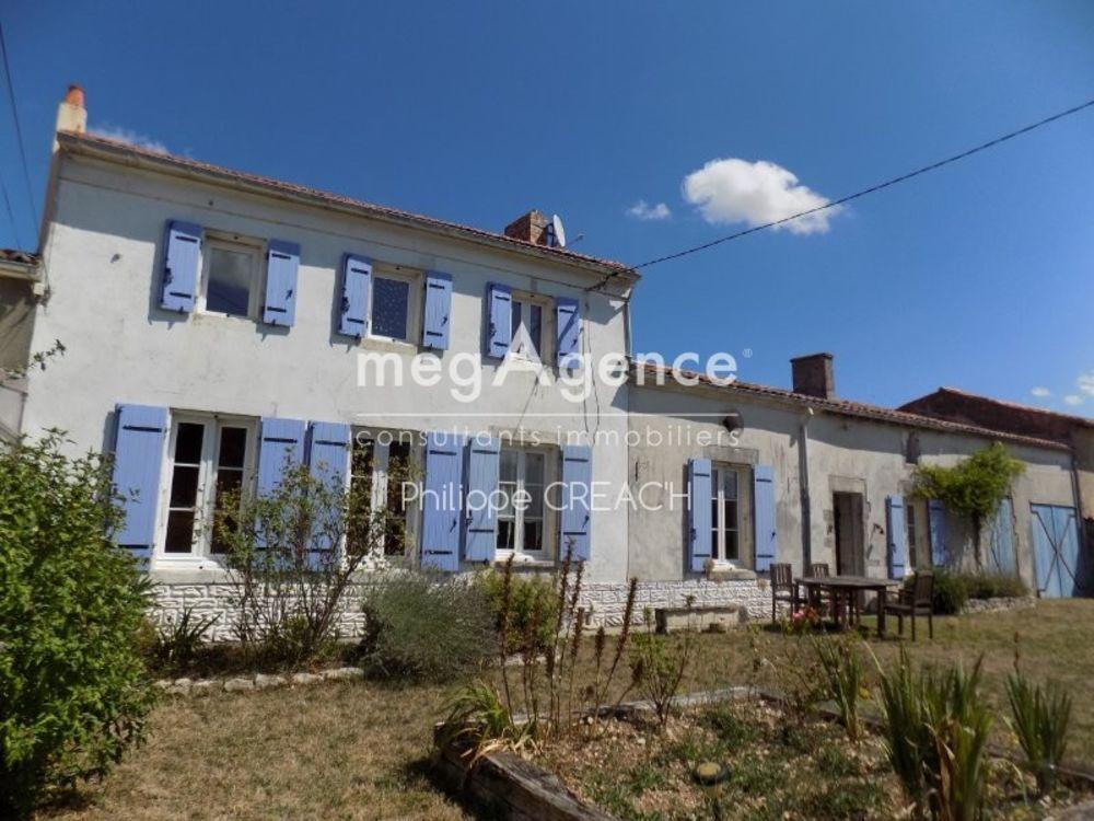 Vente Maison ENTRE SURGERES ET SAINT JEAN D'ANGELY  à Saint-jean-d'angely