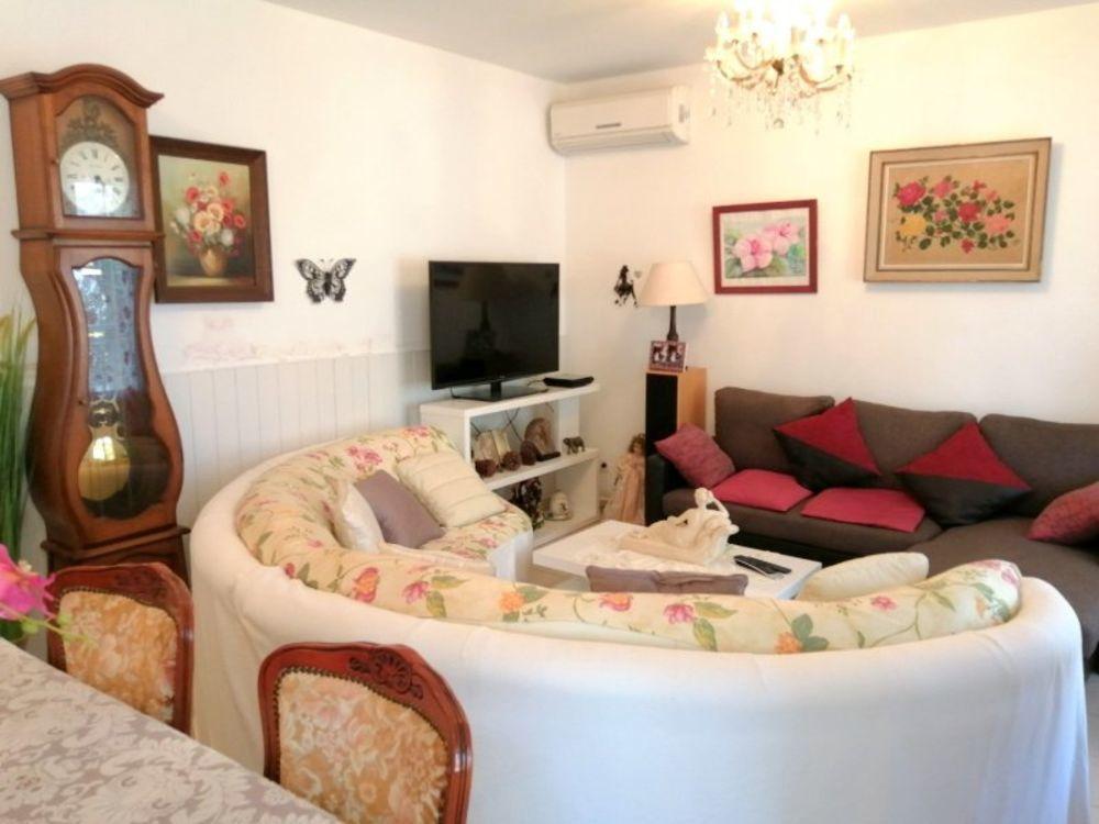 Maison - 5 pièce(s) - 98 m² 245000 Saint-Joseph (97480)