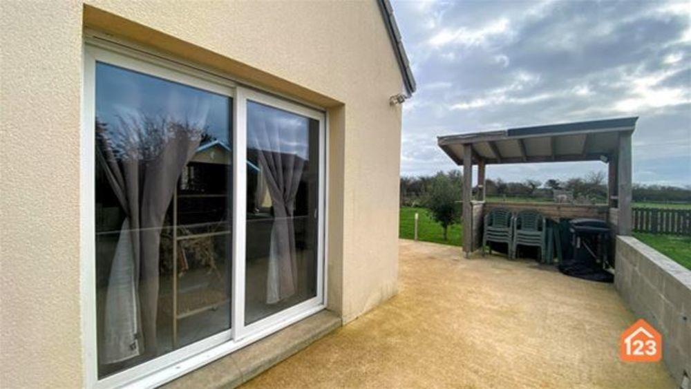 Vente Maison Pavillon, garage, cour et jardin sur 891 m2 Moitiers-d''allonne