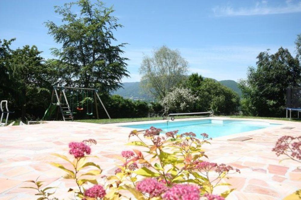 Location Maison Villa 7 pièces 210m² avec vue Mont blanc  à Vétraz-monthoux