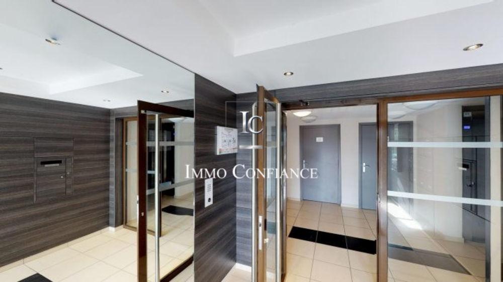 Vente Appartement MAGNIFIQUE T5 CONTEMPORAIN  à Saint-julien-en-genevois