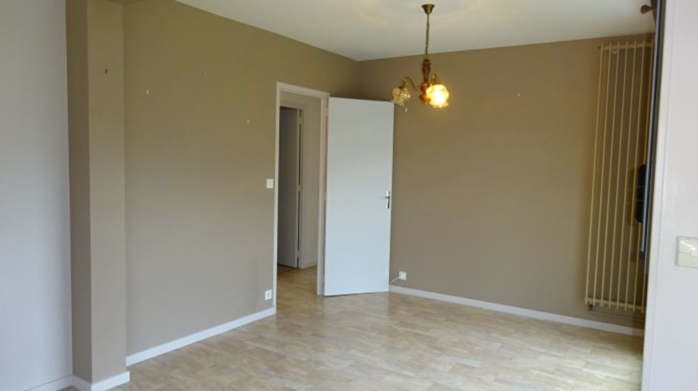Location Appartement F3 THIERS BAS  à Thiers