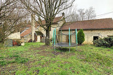 Grande maison avec terrain et dépendances. 120300 Beneuvre (21290)