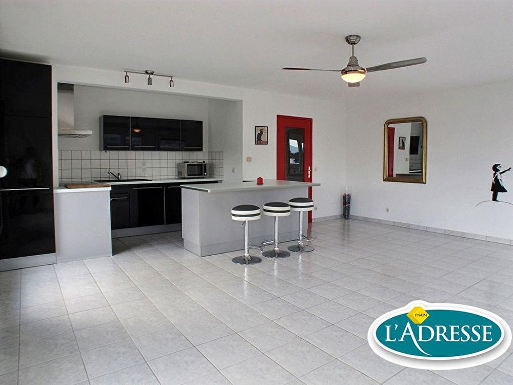 Location Appartement APPARTEMENT 3 PIECES - SAINT-LOUIS - 77m²  à Saint louis