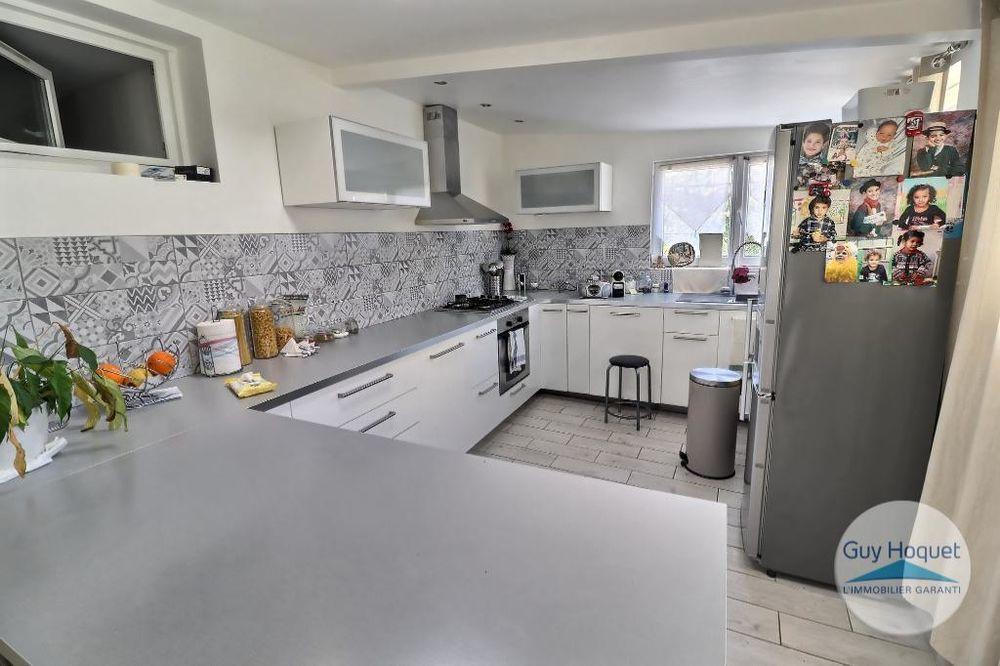 Vente Maison Maison 5 pièces d'une surface de 150 m² +1400m² de terrain constructible à vendre dans le 15e arrondissement de MARSEILLE (13015 Marseille 15