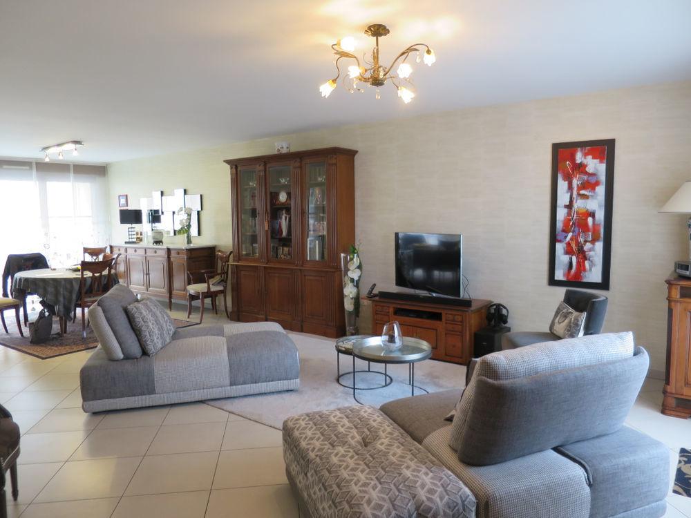 Vente Appartement Appartement  4 pièce(s) 101 m2  à Malo les bains