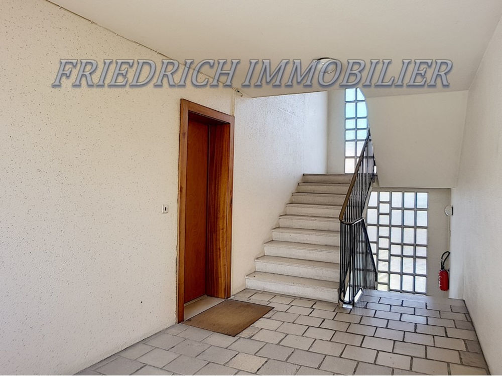 Vente Appartement APPARTEMENT TYPE F4 - PLEIN CENTRE-VILLE - A RAFRAÎCHIR - LIBRE A LA VENTE- LIGNY-EN-BARROIS  à Ligny en barrois