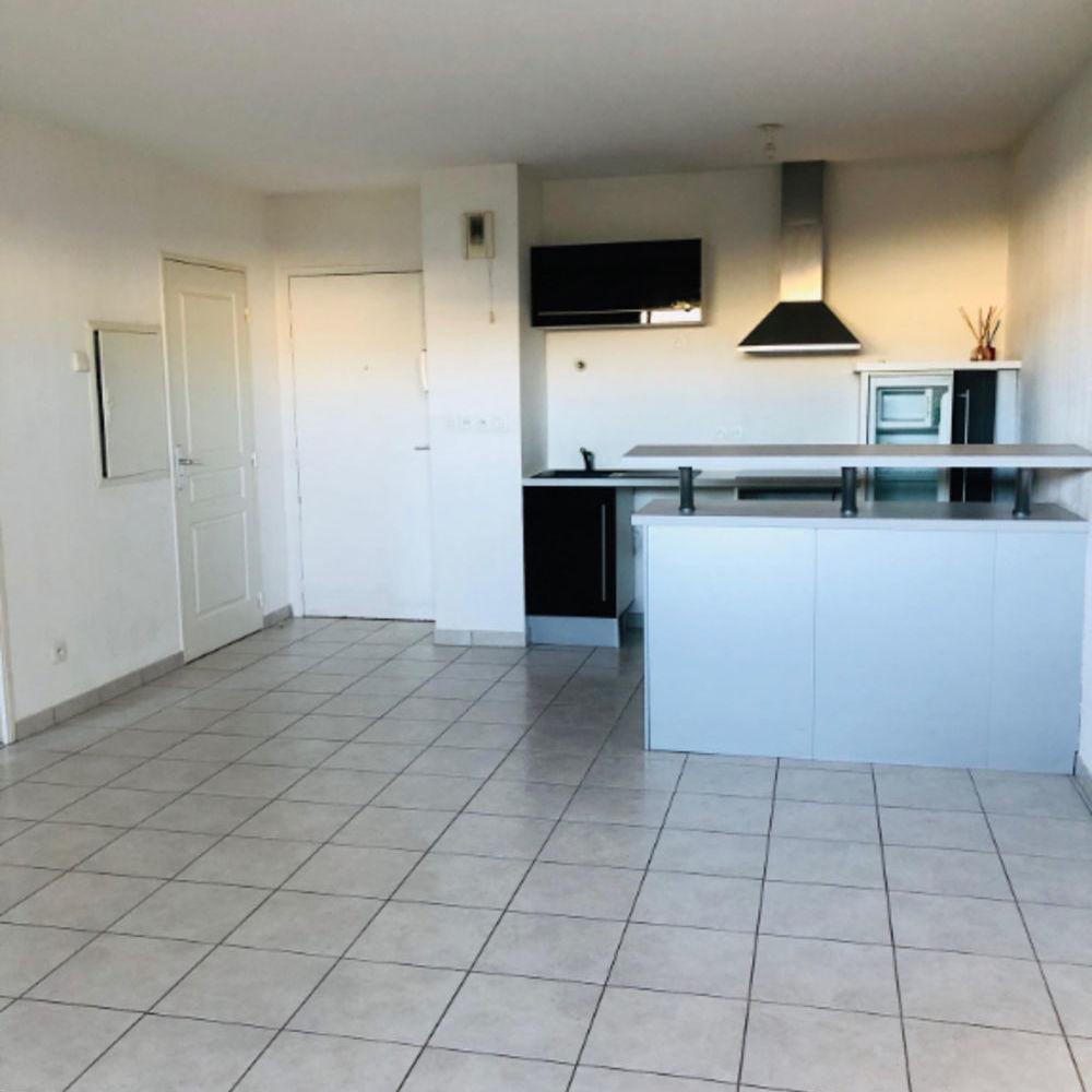 Vente Appartement T2 Terrasse, Box et place de parking disponible  à Brignoles