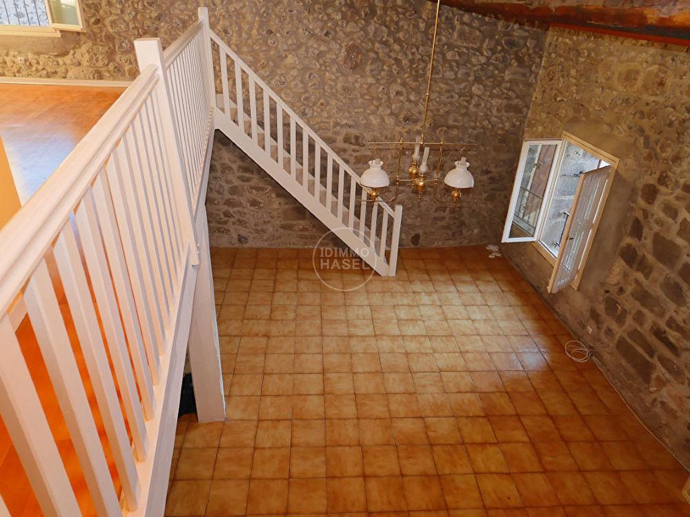 Vente Maison Maison traditionnelle en pierre de lave, beaux volumes, avec garage et mezzanine.Négociable!  à Agde