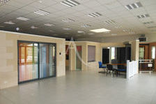 Local d'activité Péronnas 12 pièces 458m² 3600 01960 Peronnas