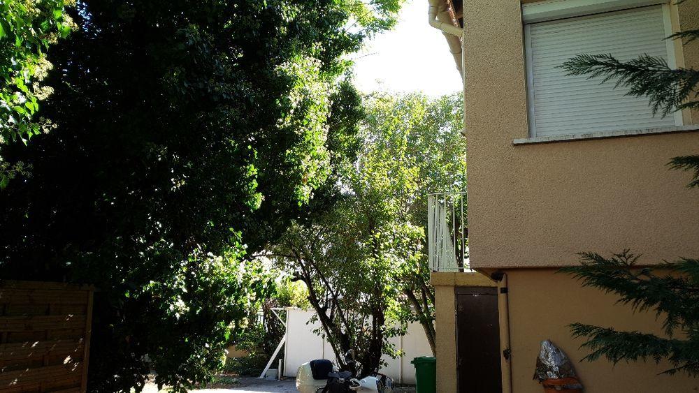 Location Maison MAISONNETTE COMPRENANT APPARTEMENT T2 Meublé AVEC JARDIN.  à Avignon