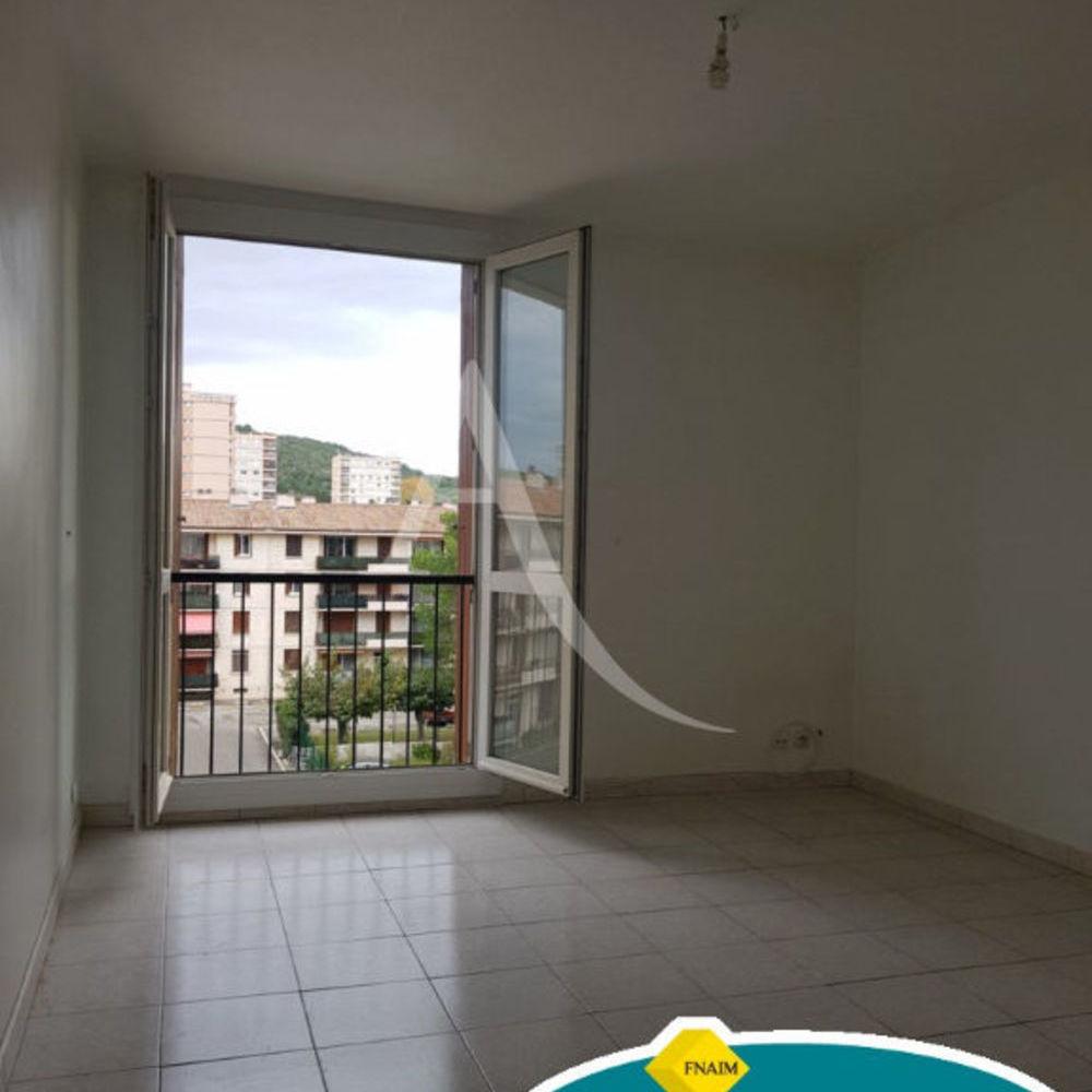 Location Appartement T3 dans résidence fermée  à Salon de provence