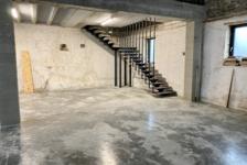 LOCAL INDUST. / ACTIVITES  PONT-EVEQUE : 180 m² 780