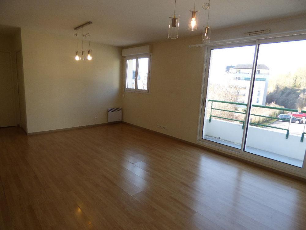 Location Appartement F2 Centre ville balcon/Cave/Parking  à Evreux