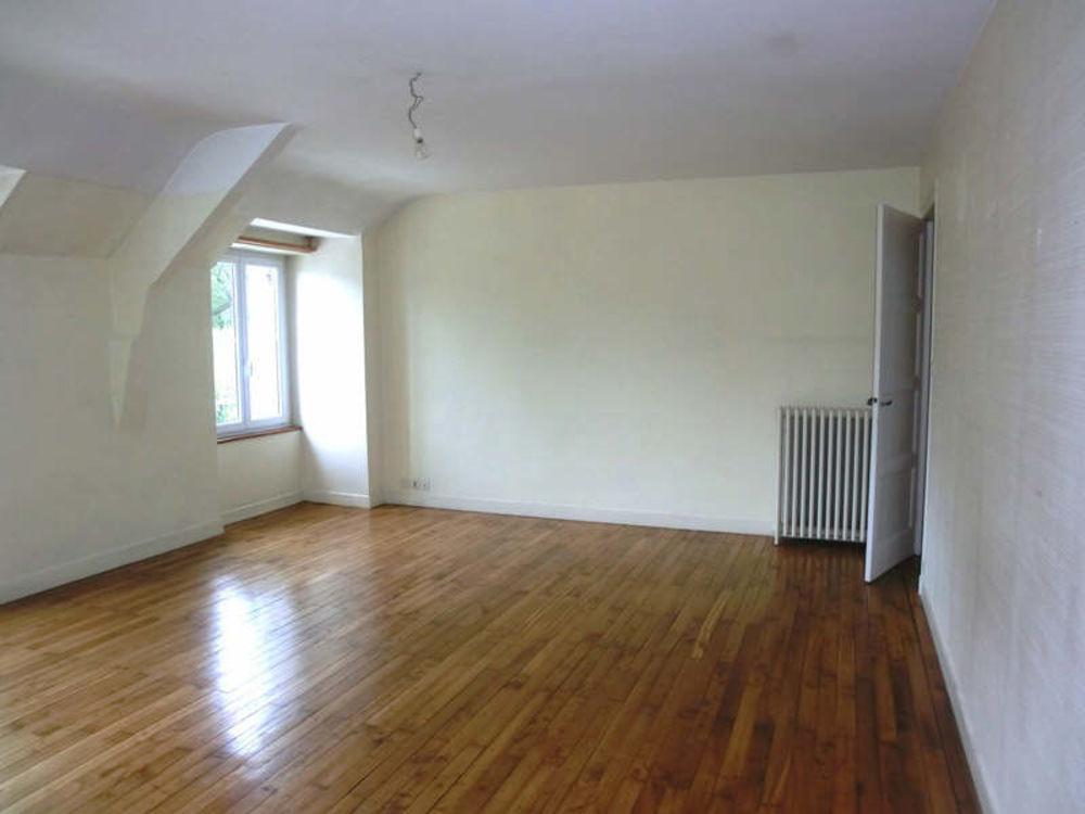 Location Appartement APPARTEMENT GUER - 5 pièce(s) - 95 m2  à Guer