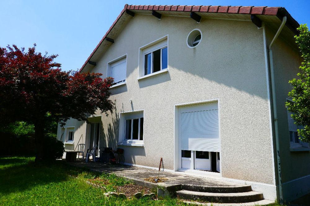 Location Maison Maison Tarbes 8 pièce(s) 150 m2  à Tarbes